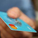 クレジットカードの特典や提携先をチェック!